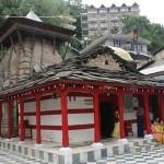 Termas y templos en  Vashist