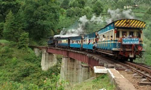 La via del ferrocarril de Nilgiris