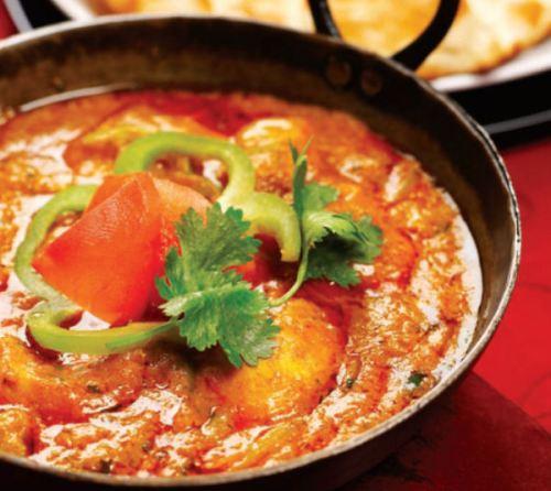 Receta india, balti de pescado con salsa de coco