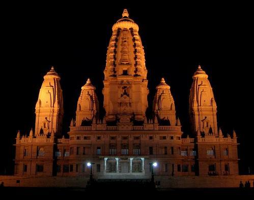 El templo J. K., o Shri Radhakrishna, en Kanpur