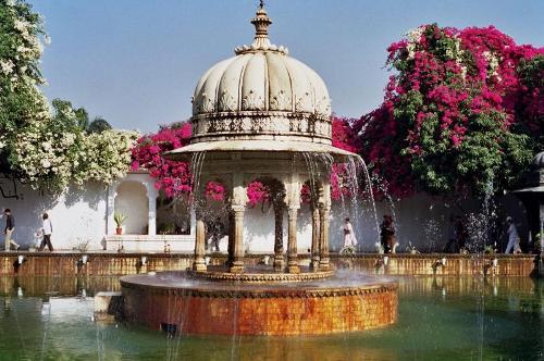 Saheliyon Ki Bari, jardines de Udaipur