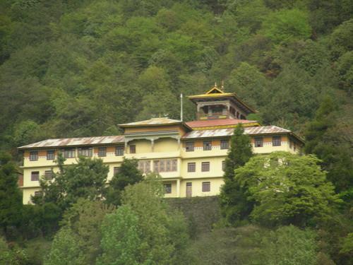 monasterio-lachen