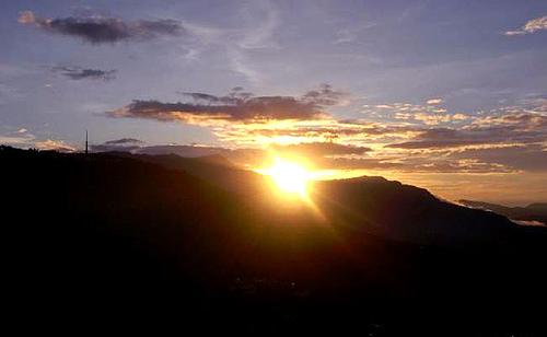 Atardecer en Ukhrul