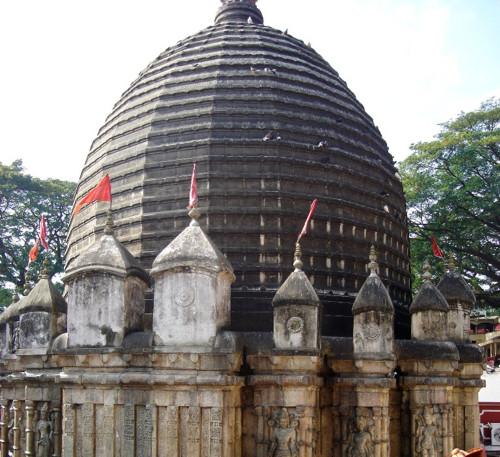 Tres templos de Guwahati, en Assam