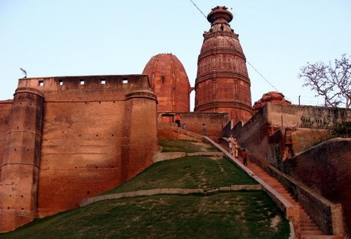 Brindavan, centro de peregrinación y arquitectura religiosa