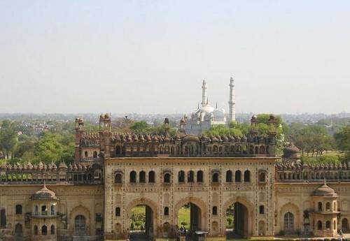 El imponente mausoleo de Bara Imambara, en Lucknow